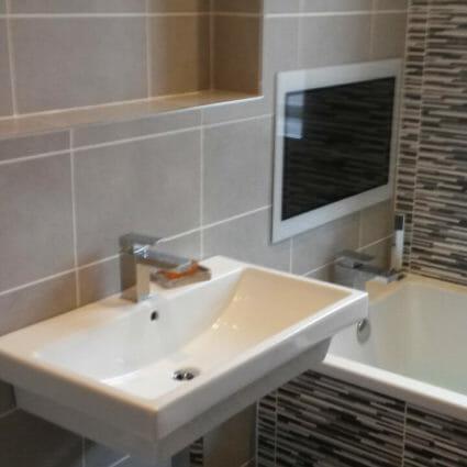 Contemporary Mixer Tap & Tiled Bathroom Surround